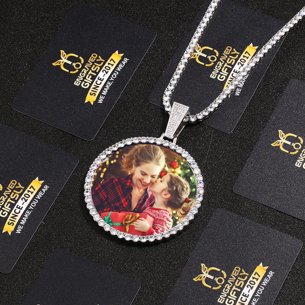 Custom Photo Medallion Necklace- Plating Of Gold Medallion Necklace Christmas Gifts For Mom