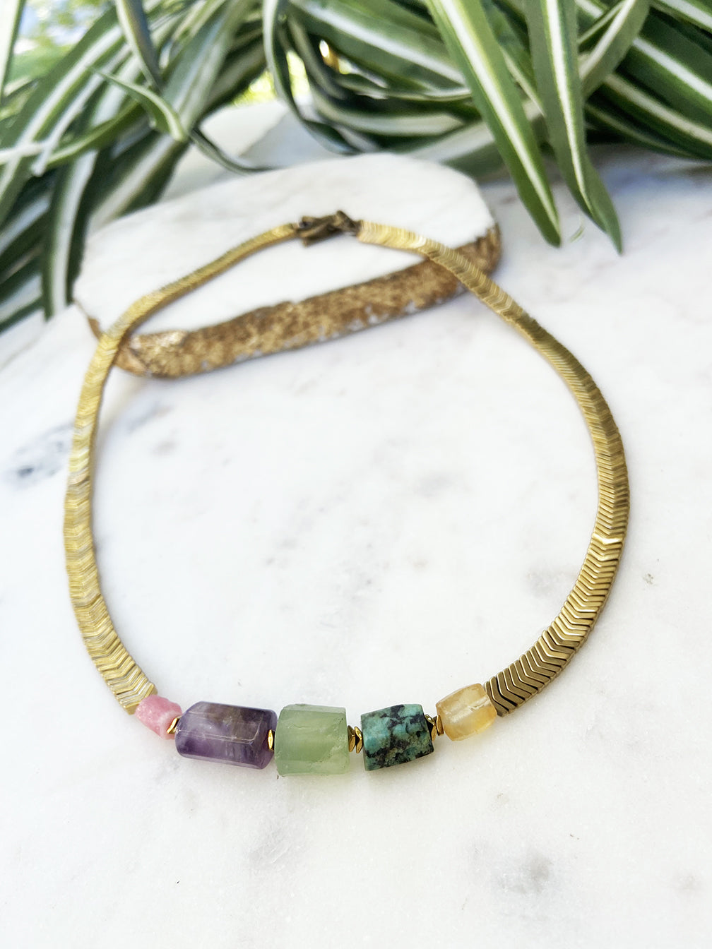 Groove short necklace - amethyst, turquoise and citrine