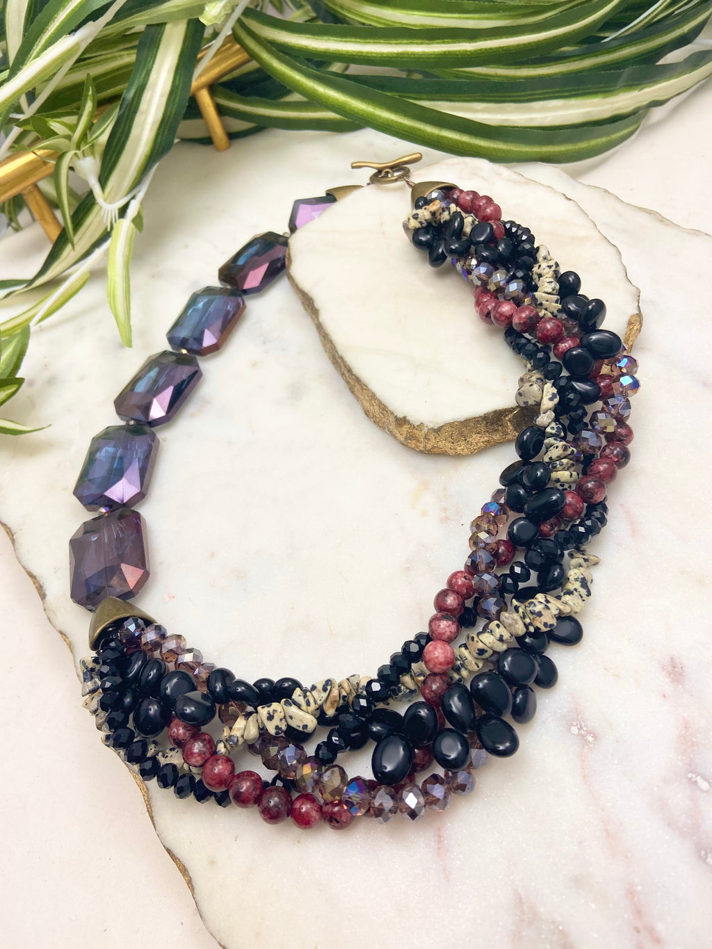 Black, burgundy and purple mingle necklace