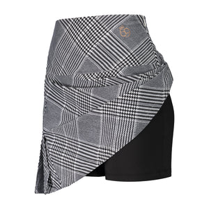 Skirt in black and white print