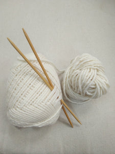 Childowla Yarn Natural White, 18 micron, 8 Ply Double Knit 100 gram