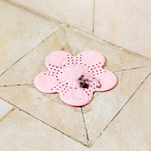 Cute Flower Shape Kitchen Water Sink Filter Bathroom Hair Filter Sink Strainer Color Random