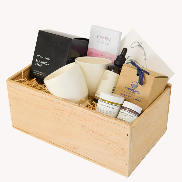 Her Deluxe Gift Box