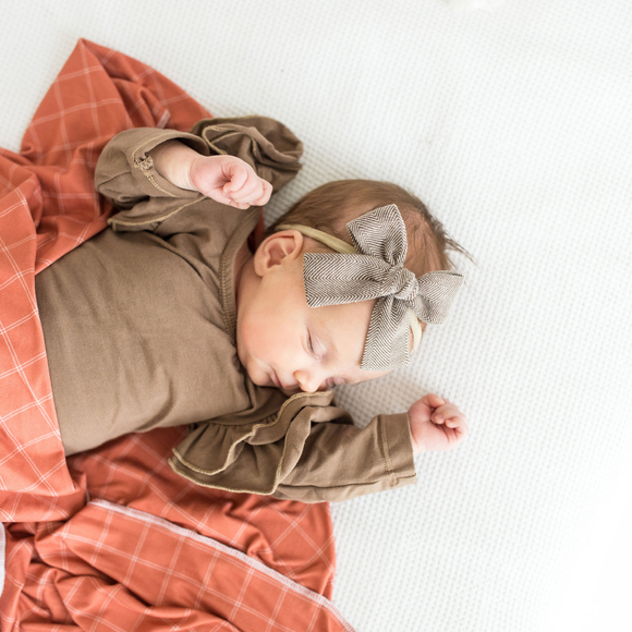 The Isabella Bow