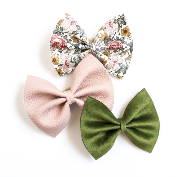 Antique Floral Medium Delilah Bows Set (3 Bows)
