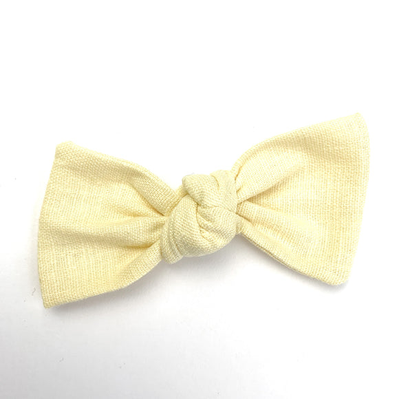 Banana Cream Linen Sydnee Bow