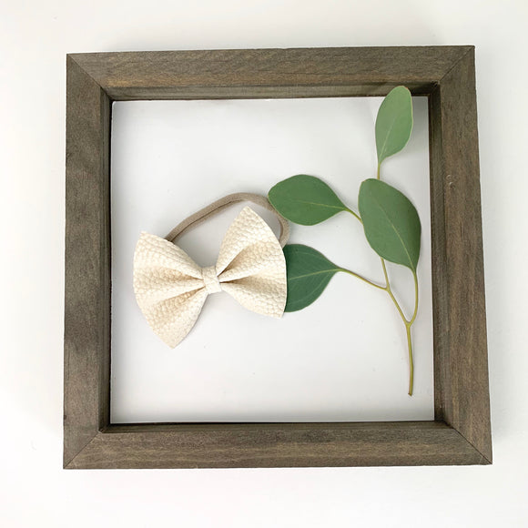 Cream Pebbled Delilah Bow