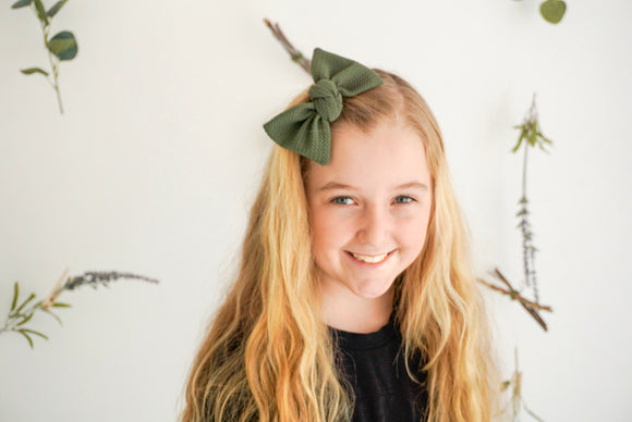 Olive Textured Samantha Bow