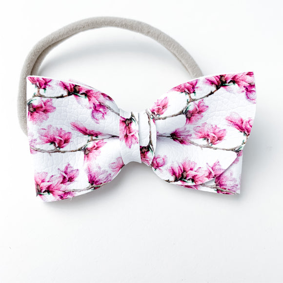 Magnolia Garland Kate Bow