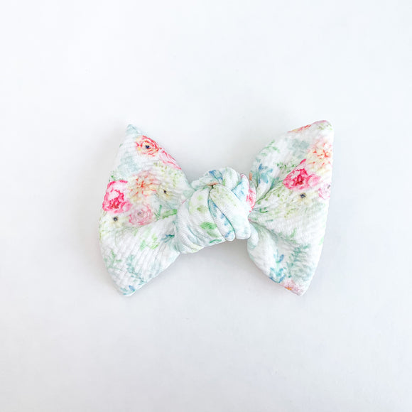 Lush Blush Bullet Samantha Bow