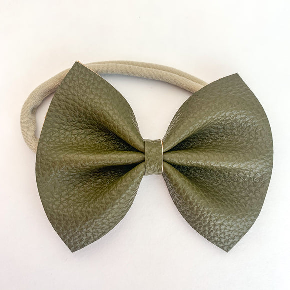Olive Delilah Bow (2 Sizes)