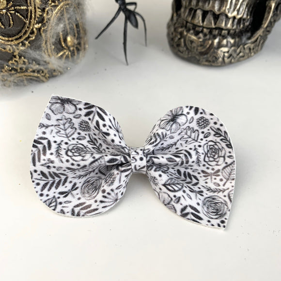Monocrome Reese Bow (2 sizes)
