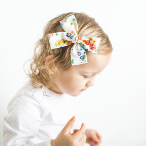 Dreaming of Spring Isabella Bow