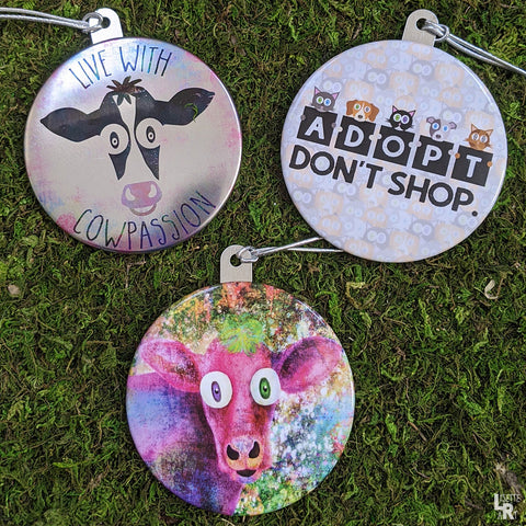 Animal themed metal button style ornaments