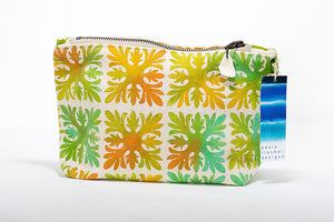 "Annie Fischer Designs ""Hawaiian Quilt"" Handpainted Small Clutch Purse"