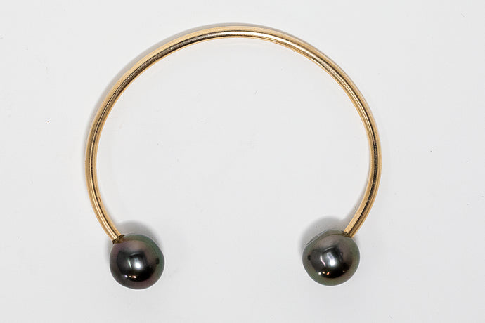 Gold fill Tahitian pearl open cuff bracelet handmade in Maui, Hawaii