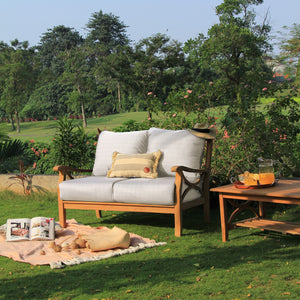 Enjoy your garden to its full potential with the Abbington range from Cambridge Casual, including this gorgeous Abbington Love Seat.