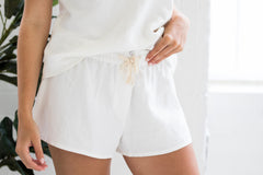 edie shorts cloud white