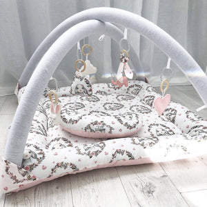 Activity playmat - floral bunnies