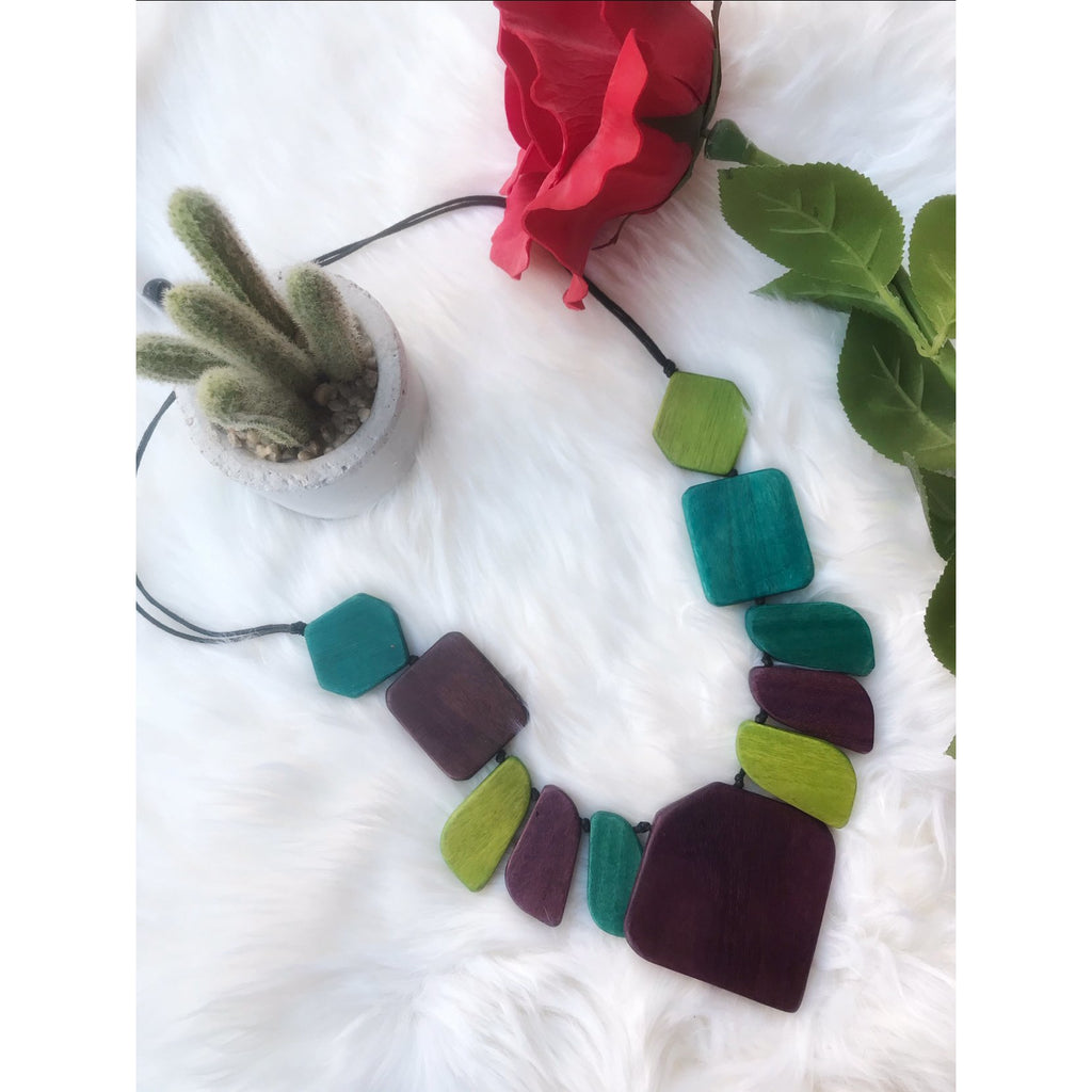 Wooden Chunky necklace - green
