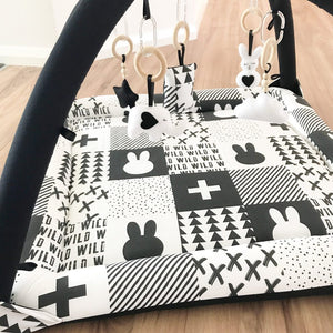 Activity playmat - mono wild quilt