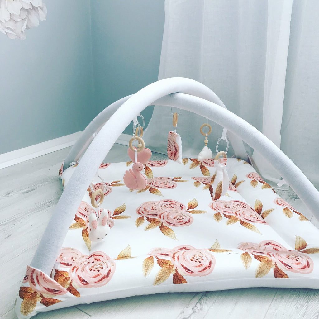 Activity playmat - peach roses