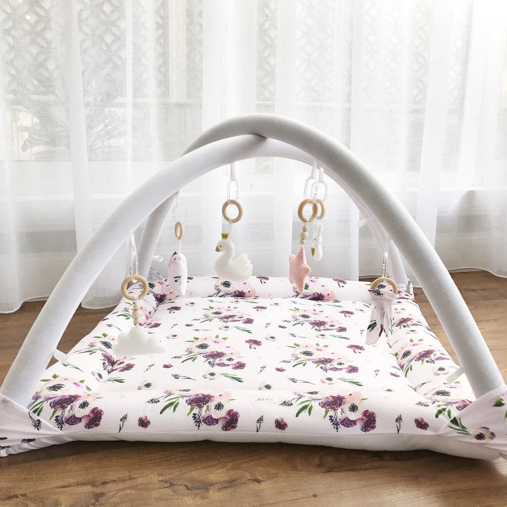 Activity playmat - violet floral