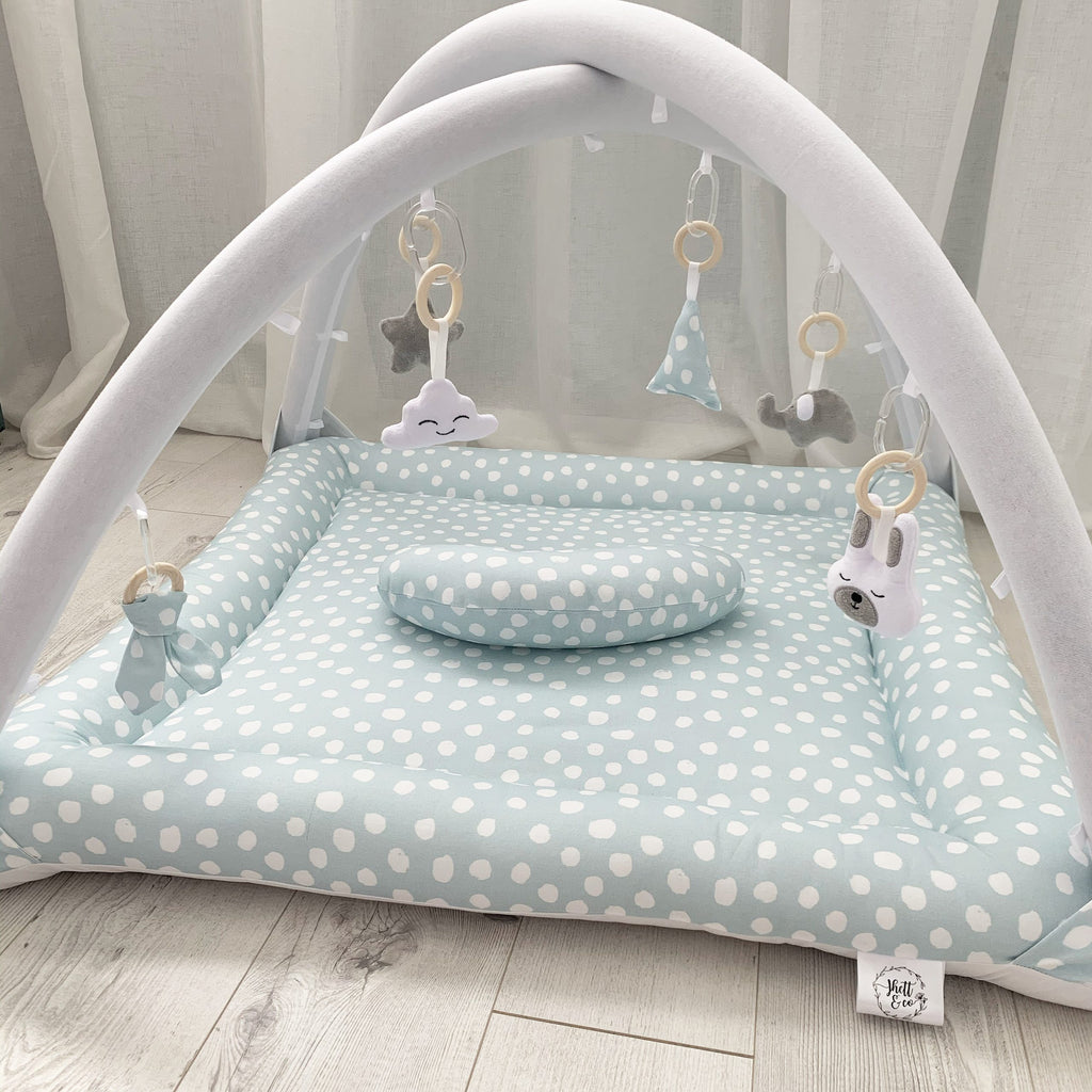 Activity playmat - light blue polkadots
