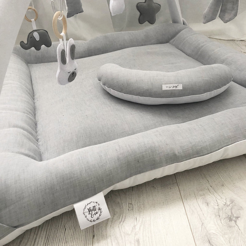 Activity playmat - grey linen