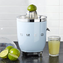 Smeg Retro Citrus Juicer - 50's Style Collection - Pastel Blue