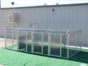 Rhino 4-Run Dog with Roof Shelters & Fight Guard Divider 5'x10'