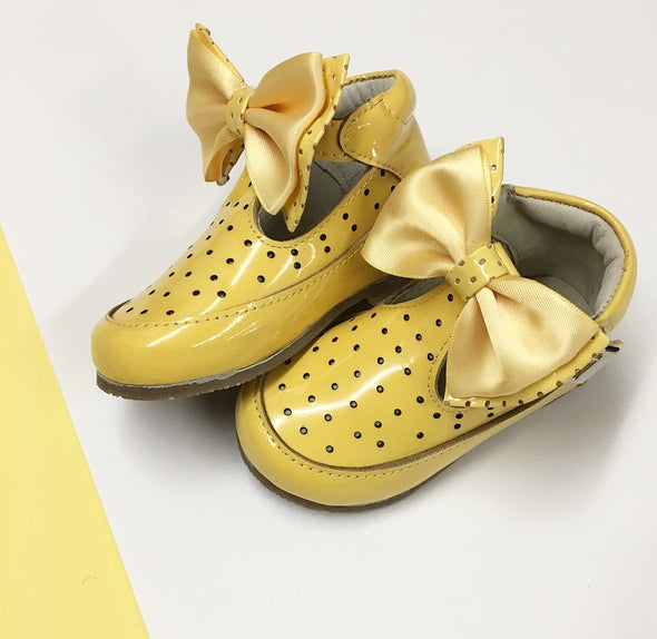 Yellow Patent Leather Bow Front Buckle Shoes