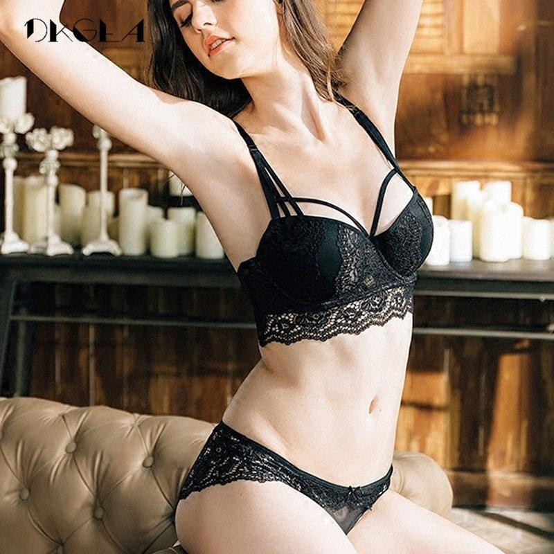 afc36f115f419 Shania - Exclusive Lingerie Set - Black / 70A - Bh & Slip Sets