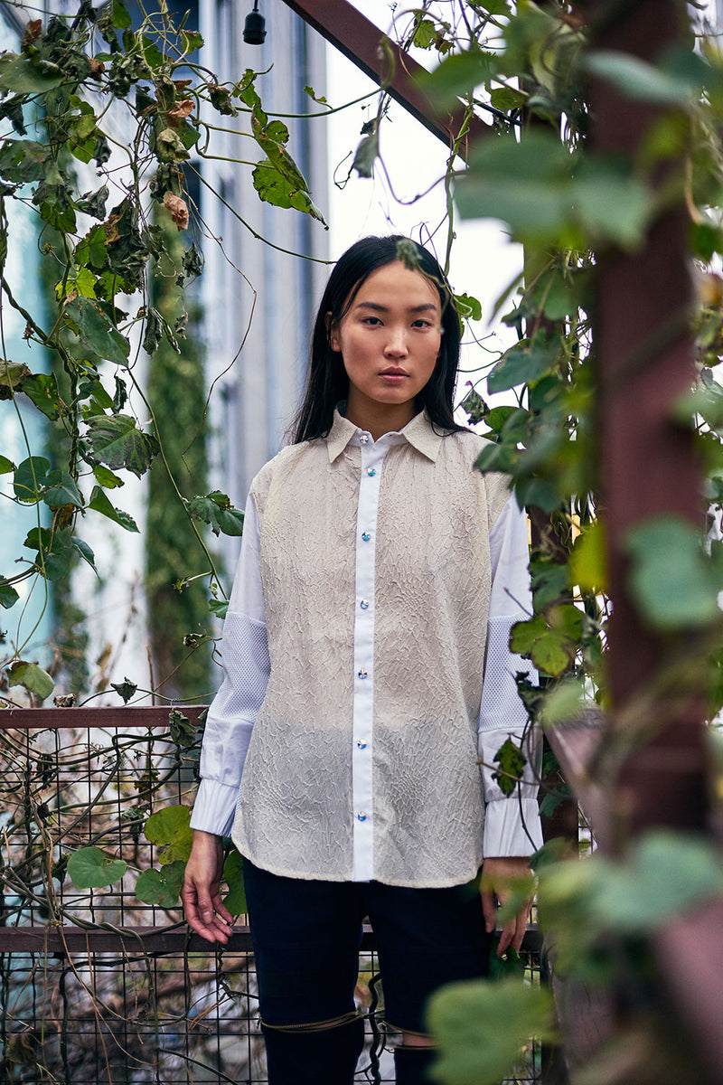 PIA SHIRT made of Japanese shibori fabric combined with modern textiles