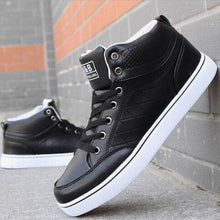 2017 Newest Luxury Brand Men Shoes Mens Shoes Fashion Boots Casual Autumn Winter Black White Ankle Boots Zapatos New Style Flats