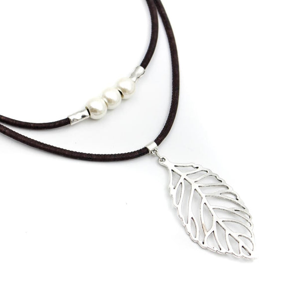 Leaf Outline Necklace