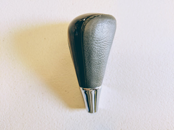 Toyota UZS171 Crown Majesta Gear Knob