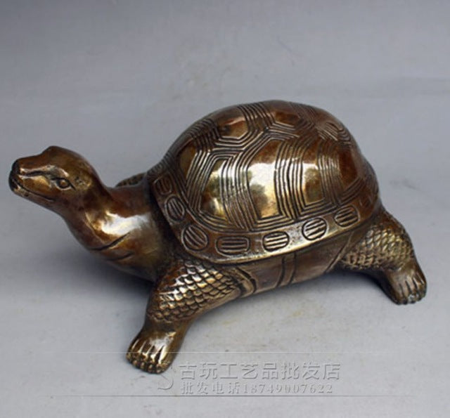 Collection de sculptures antiques, statue d'argent du Tibet, sculpture de crocodile en cuivre blanc, tortue lion multi style