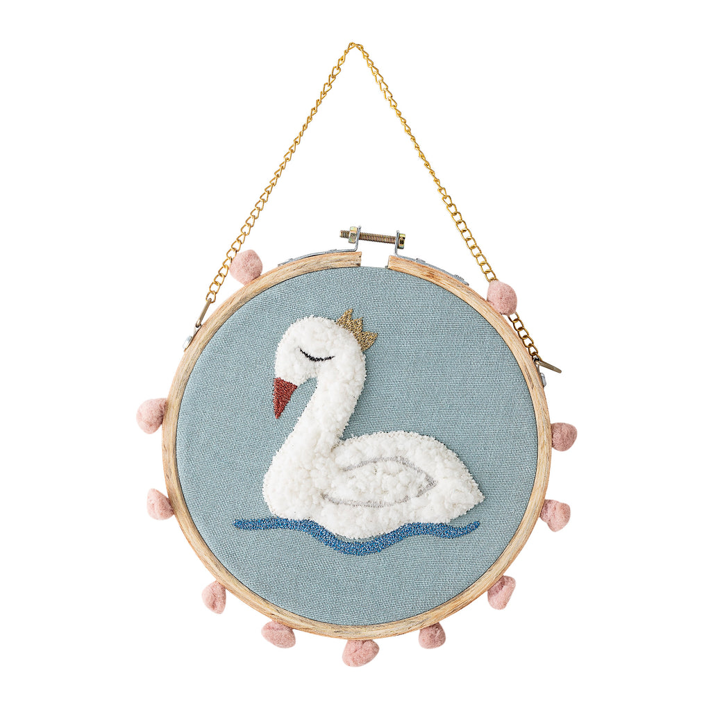 Sleepy Swan Wall Decor, be a swan in a pond full of ducks !