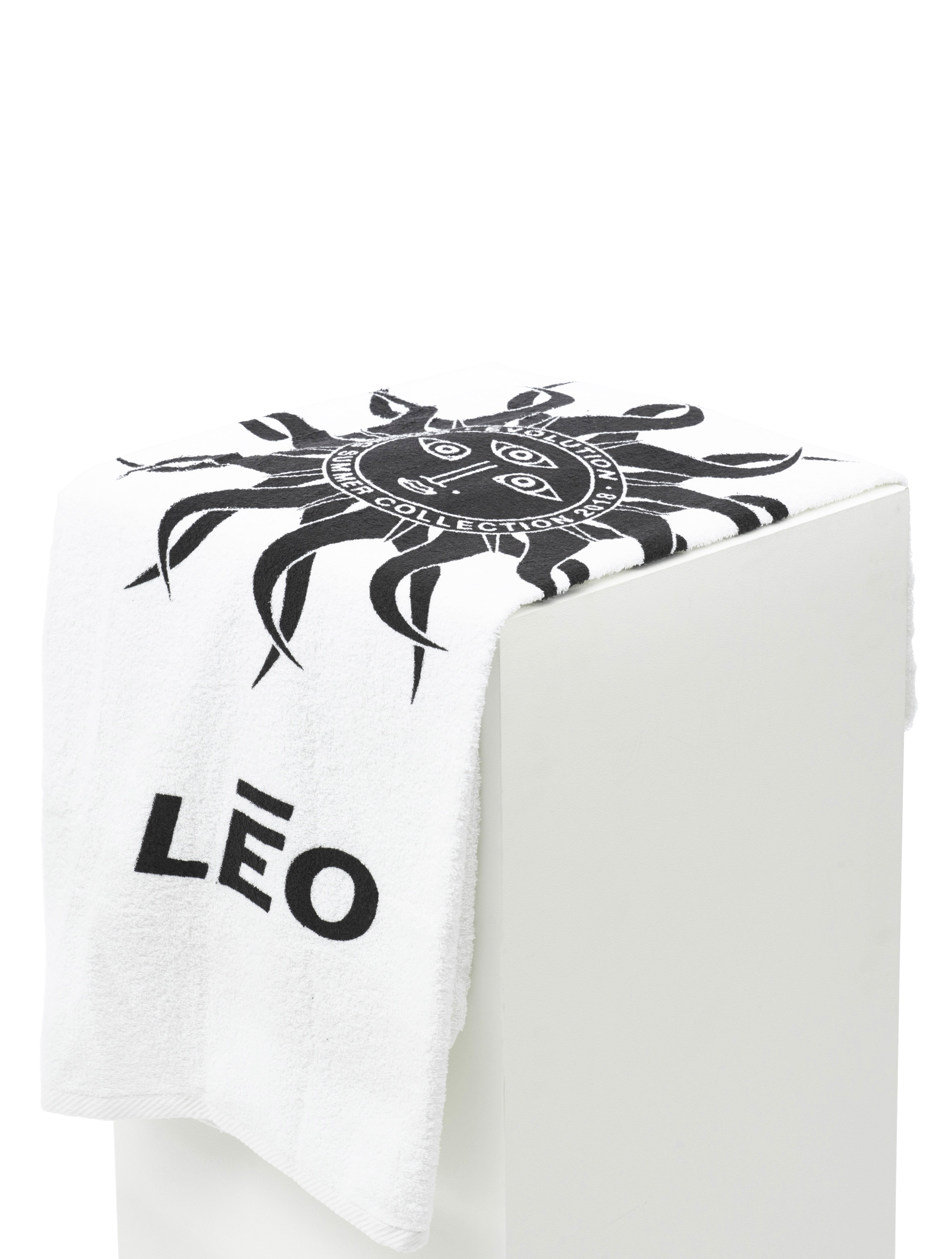 Lēo Golf Blue Beach Towel