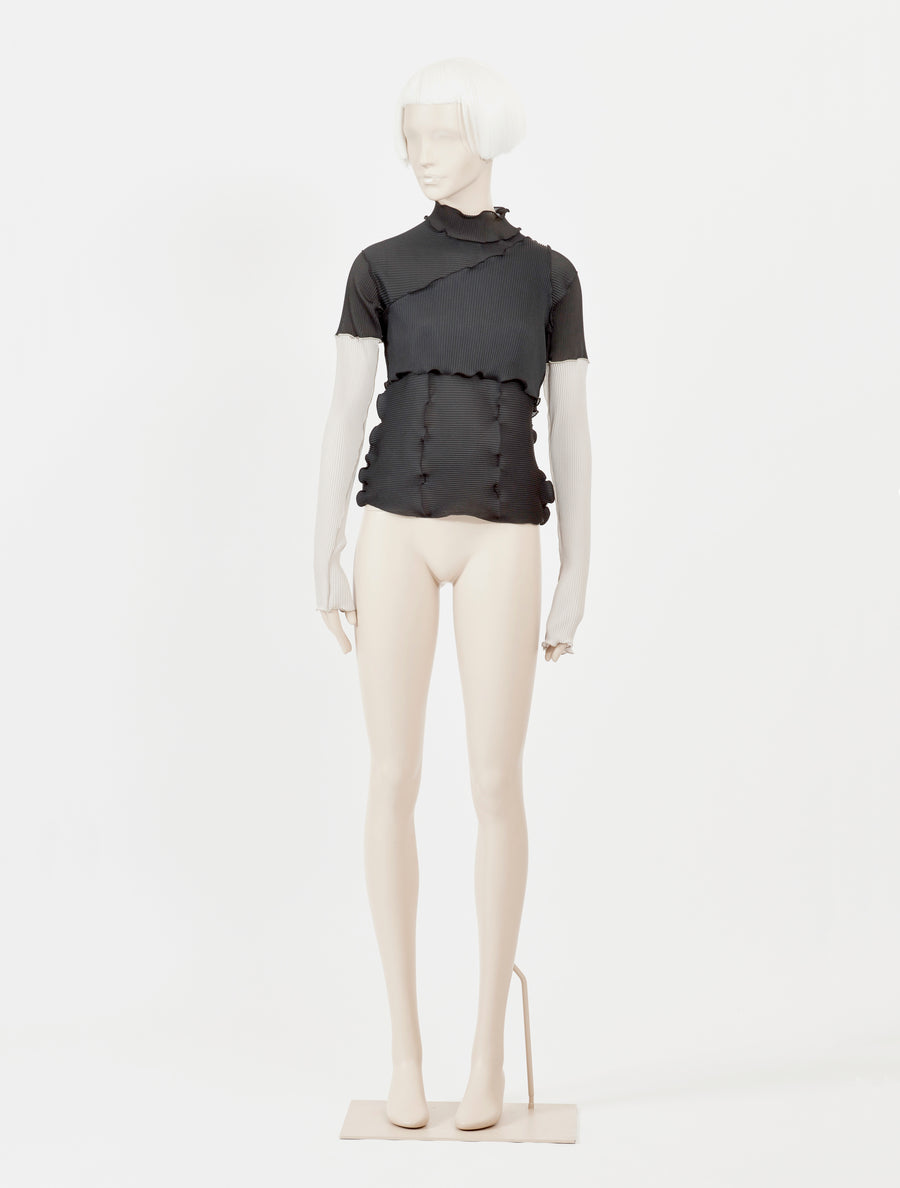 Kotoha Yokozawa Pleats Ensemble High Neck