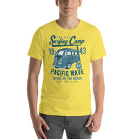 Surfing Camp California 1943 Los Angeles Short-Sleeve Graphic T-Shirt