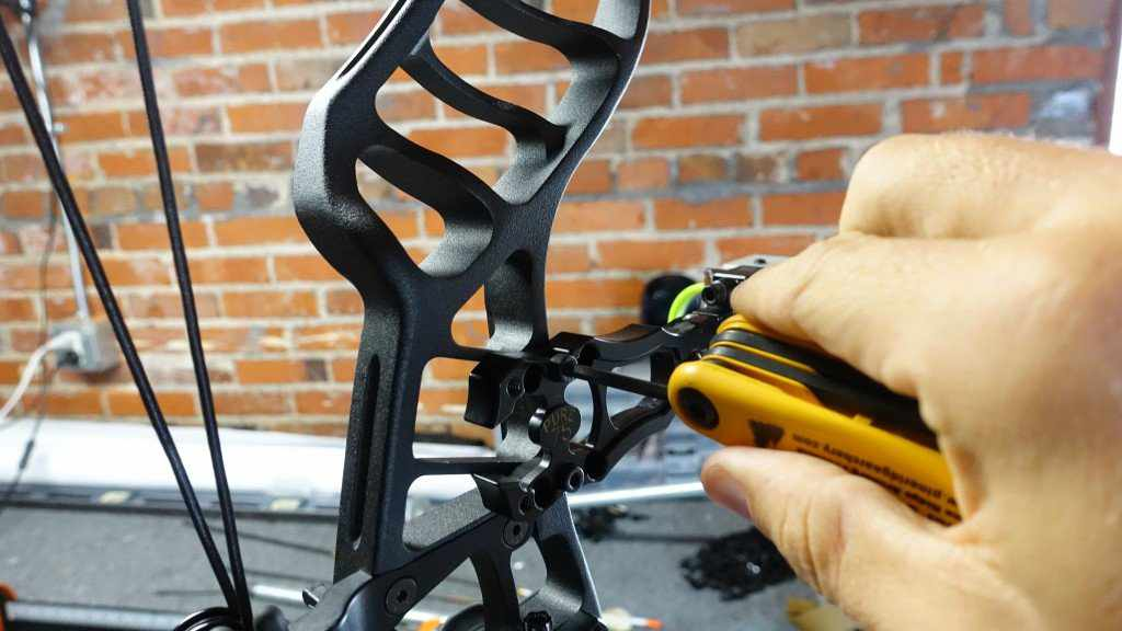 mounting bow sight