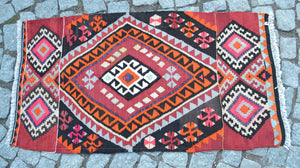 """Sharbat"" Vintage Turkish Kilim - 106cmx55cm (3'5""x1'10"")"
