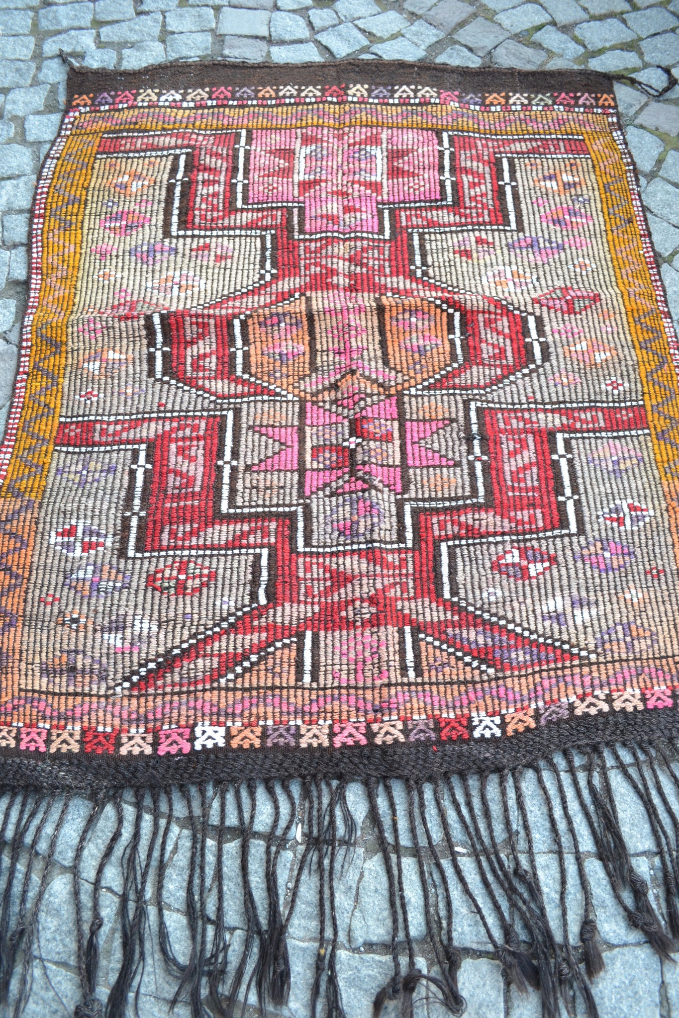 """Sunrise"" Vintage Cicim Turkish Kilim - 132cmx102cm (4'4""x3'4"")"