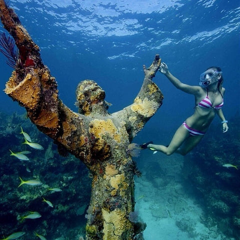 Christ of the Abyss with female diver.jpg