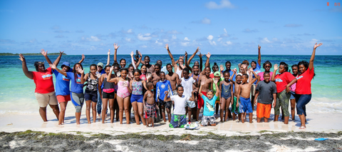 Group from Bahamas plastic movement