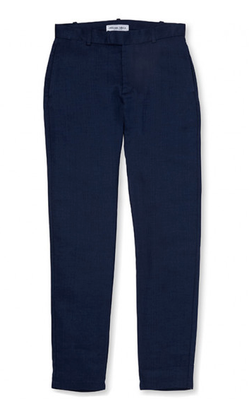 No casual wardrobe is complete without a reliable pair of chinos and this linen version is both contemporary and elegant. Cut in a tailored shape from a 100% linen blend, they have minimalist fastening and four pockets. The clean cut makes for a neat look that is perfectly complemented by a Long-sleeve Jersey Polo.