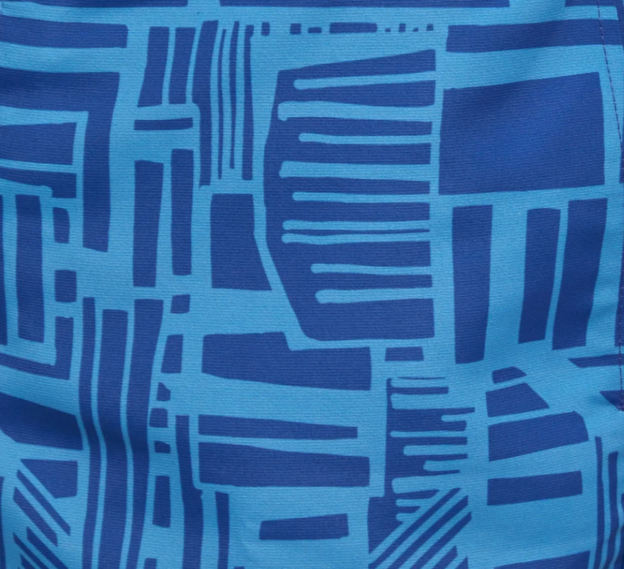 Inspired by the freehand drawing style of landscaper extraordinaire, Roberto Burle Marx, the Linha print from Frescobol Carioca is new for SS19. It makes a bold print for their sophisticated tailored shorts.