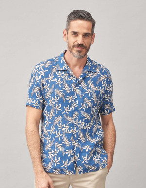 Elegant, casual and refined, the bowling shirt is probably one of the most on-trend items for the coming summer season. It can be worn with or without a T-shirt, tucked in or ...